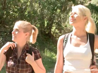 Blond haired tourists Anikka Albright and Penny Pax