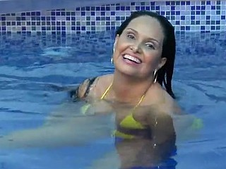 Brazilian slut gets mouth full of fresh loads of tasty ball batter