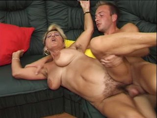 German unshaved mature is horny she fucks and squirt