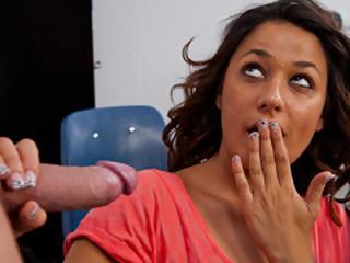 Gigi Loren Make-Up To Her Professor