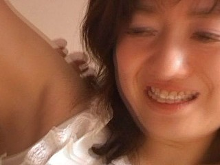 Hot Japanese babe's smooth armpit gets a sloppy tongue bath