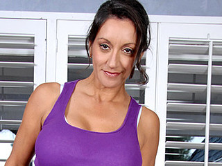 Stylish Anilos mother i'd like to fuck stretches her bare body during a yoga routine