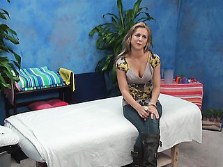 Sexy massage proceeds with oral-sex and ends with screwing