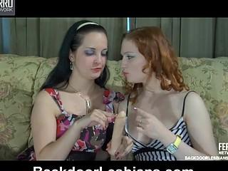 Mabel&Rita anal lesbo action