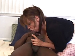 Wife Services Black and Hubby Cleans Up - Cireman