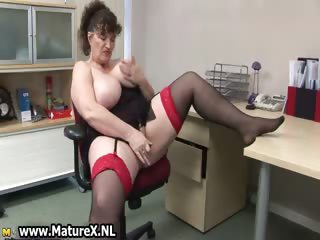 Lustful chubby mature lady fucks