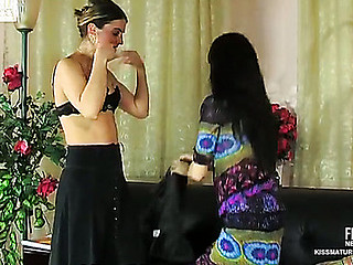 Martha&Judith pussyloving older on clip