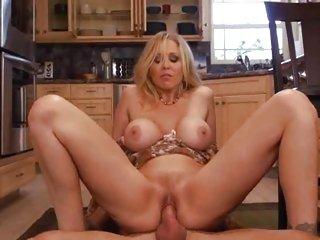 Milf Julia Ann bounces her pussy on a stiff shaft