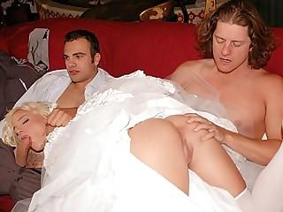 Missy spreading her booty
