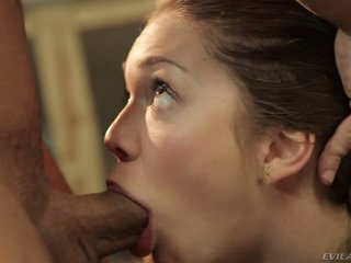 Jessie Andrews gives unfathomable blowob to Mr. Pete