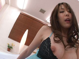 japanese milf gets pussy licked and sucks clear dildo