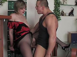 Leonora&Nicholas aged hose clip