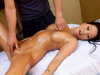Nasty Kind Of Massage With Asa Akira